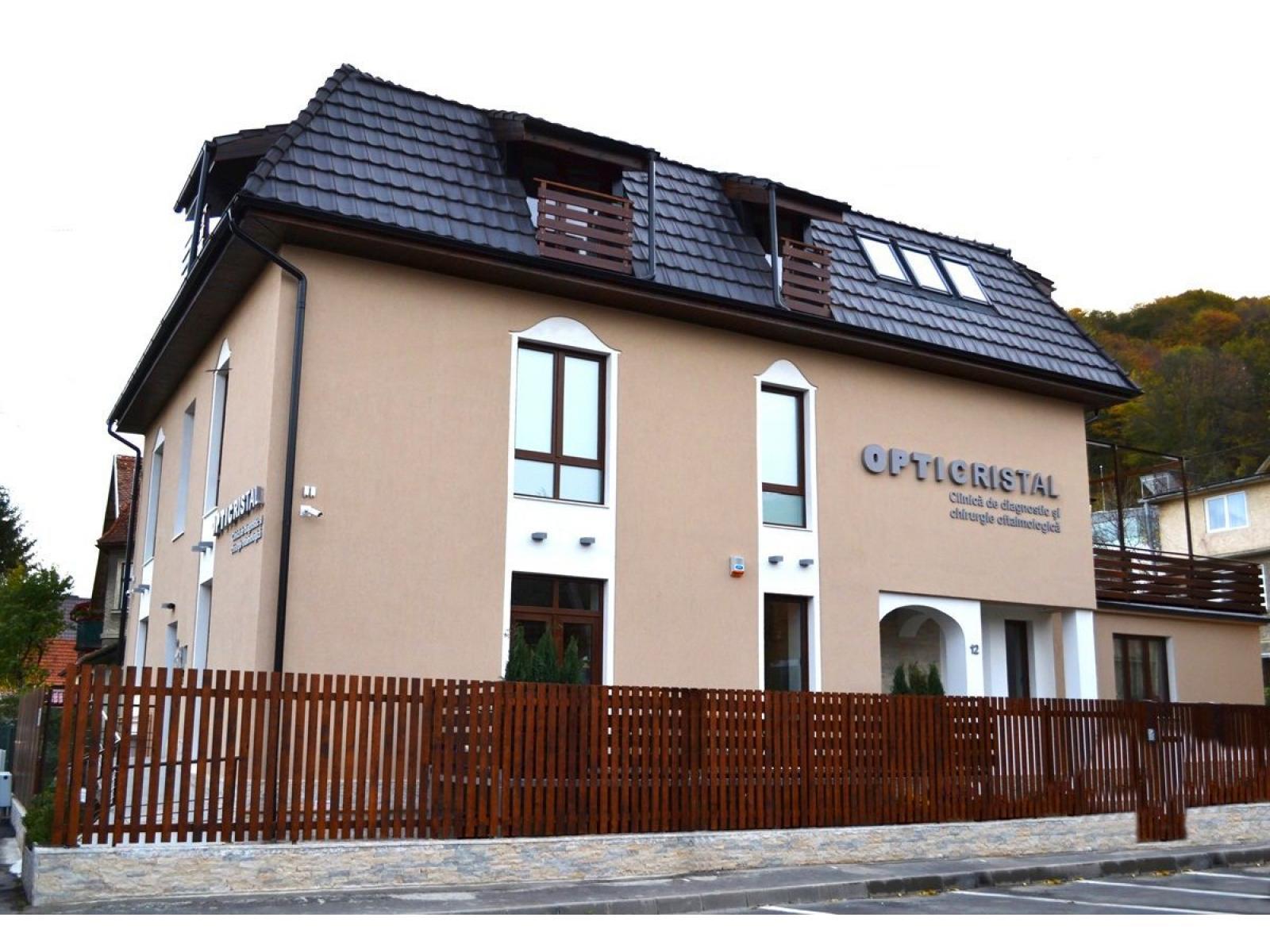 OPTICRISTAL - Centru de chirurgie oftalmologica - exterior.jpg